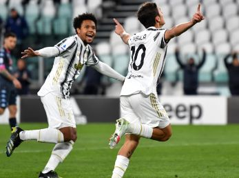 Weston McKennie y Paulo Dybala